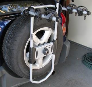 למכירה מנשא אופניים לגלגל אחורי לג יפ Thule 963