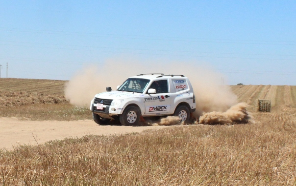 רועי שפירא וצוות הרן טכנולוגיות בהכנה למרוץ ביוון עם הפגארו קינג החדש