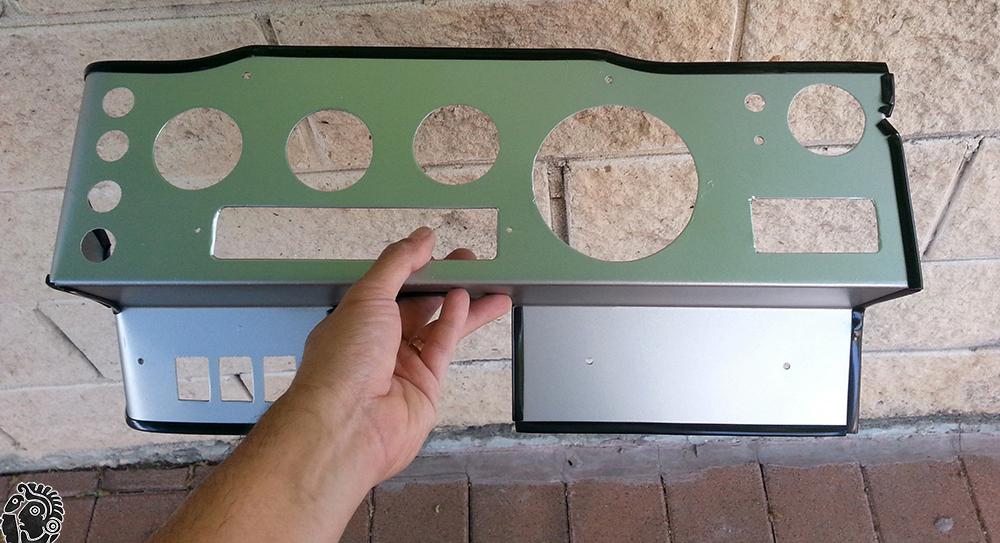 עטיפת הדשבורד בגומי לדלתות (קדר) כדי להמנע מפציעות