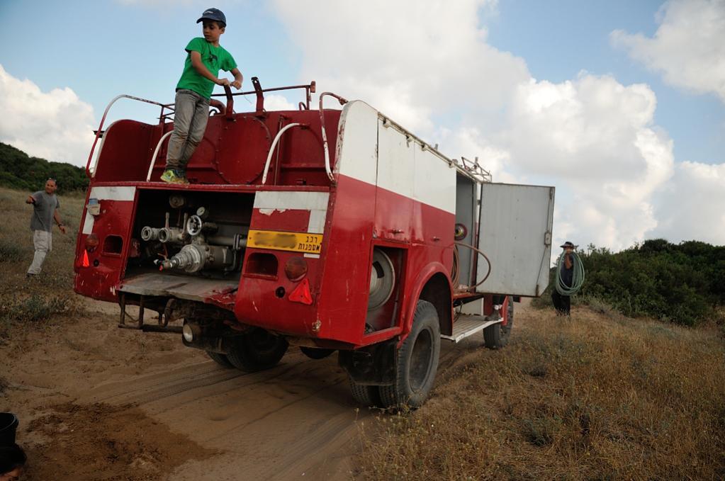 רכב כיבוי אש מדגם דויץ מגירוס